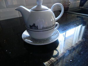 DOWNTON ABBEY teapot set