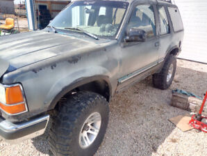 92 Ford Explorer Project Mud Truck 4X4