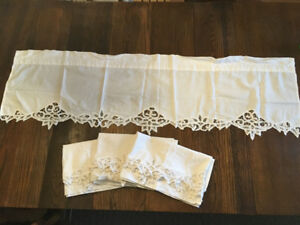Four matching valances
