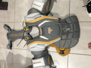 Youth / Intermediate Goalie Equipment - Excellent Condition