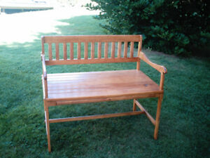 FURNITURE   MAPLE BENCH