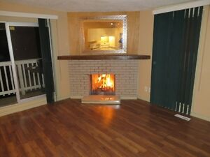 Bankview SW Close to downtown Townhouse 4 bedrooms - nice