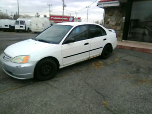 Honda civic pour 1000$ ferme