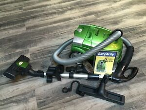 Simplicity green vacuum in great condition for sale!!