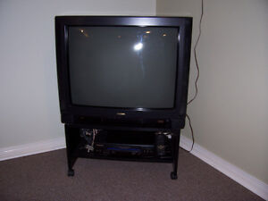 TV/VCR/STAND COMBO