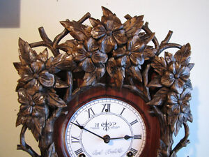 Beautiful hand carved wall clock. Mint!!!!! London Ontario image 2