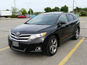 2014 Toyota Venza XLE MINT Condition w/ Toyota Maintained Papers