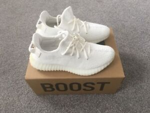 BRAND NEW IN BOX YEEZY BOOST 350 V2 WHITE SIZE 8