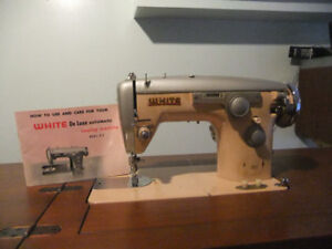 Machine a coudre White model 674