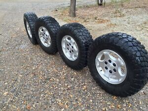 Chev./GMC rims and off road tires  265/75 R16