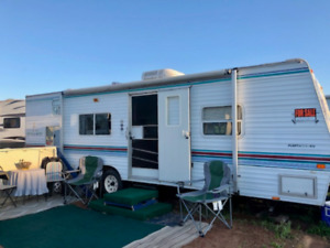 2000 30' Mallard Camper... Bright and Tidy! Only $6000