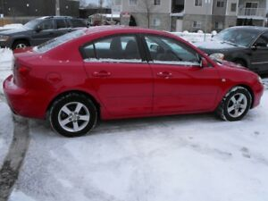 2006 MAZDA 3  AUTO  LOADED  JUST TRADE IN  $ 2500 AS-IS  SALE