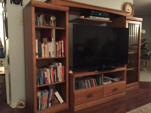 Tv wall unit.  Solid wood.  Oak.  In new condition