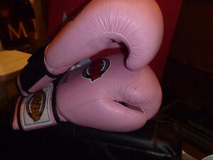 Gants de boxe pour femme en cuir véritable. Peu utilisés.