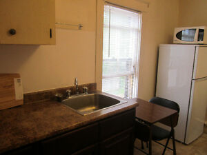 EVERYTHING INCLUDED - furnished housekeeping room