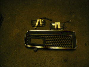 1974 gto left side grille with park lights