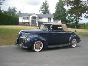 1939 Ford Deluxe R/S Cabriolet