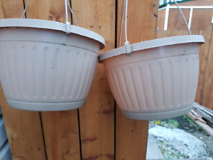 TWO 10'' INCH PLASTIC HANGING POTS