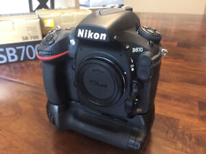 Nikon D810 camera with vertical battery grip (Mint)