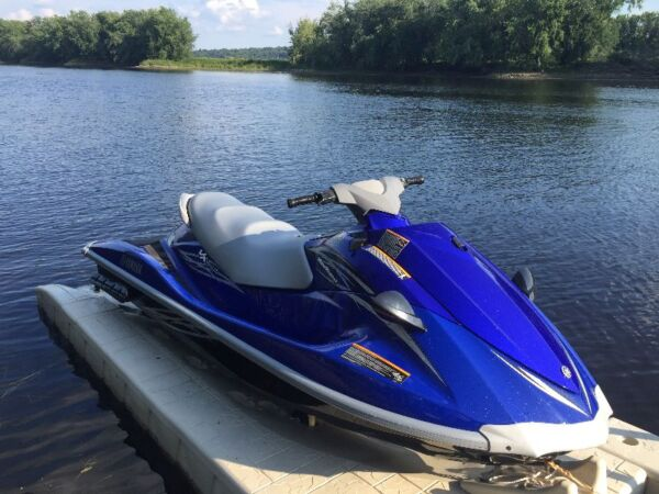 Used 2010 Yamaha Wave Runner VX Deluxe
