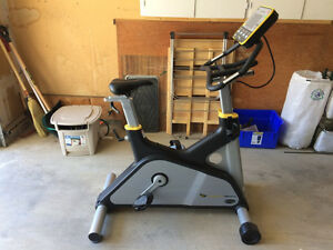 Lemond g-force UT digital upright exercise bike