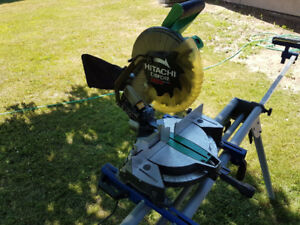 Hitachi 10 inch Mitre Saw with stand
