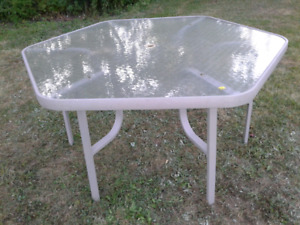 Hex Patio glass table