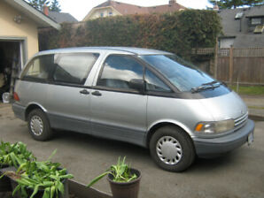 Well loved 1992 Toyota Previa . $2,250 or best offer!