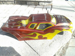 Custom airbrushed losi 8T body