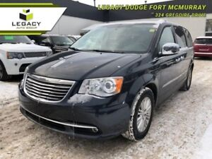 2014 Chrysler Town  Country LIMITED BEAUTIFUL FAMILY CRUISER!!