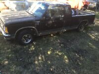 Parting out 1990 chevy s10 4.3 700r4