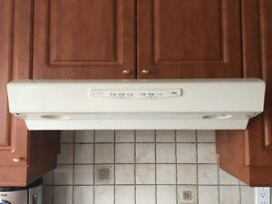 Hotte de cuisinière Broan /undercabinet range hood Broan
