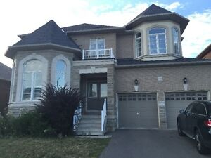 Detached House for lease in Stouffville- 5 mins to GO train