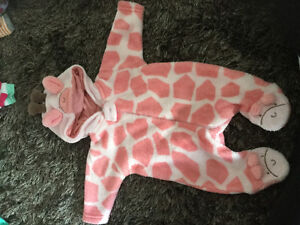 Brand new condition giraffe outfit
