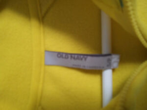 Old Navy women's yellow pullover sweater Size Small NWT London Ontario image 2