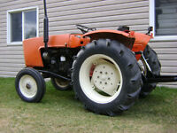 *JUST REDUCED  Allis-Chalmers Tractor