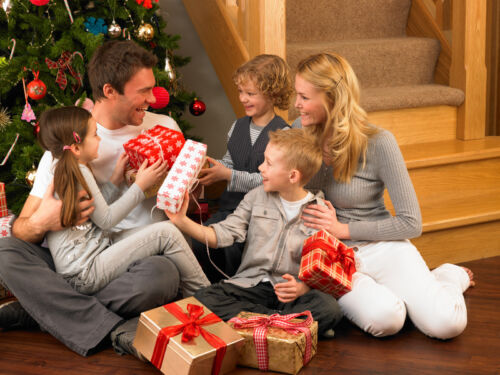 exchange gifts with family
