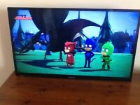 "32"" PANASONIC TV with FREEVIEW HD"