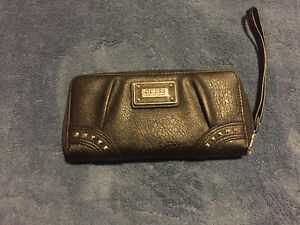 Large guess wallet