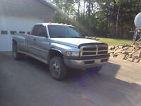 2001 Dodge Power Ram 3500 Pickup Truck