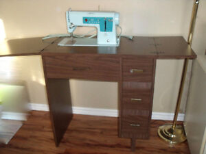 SINGER STYLE-MATE SEWING MACHINE AND CABINET