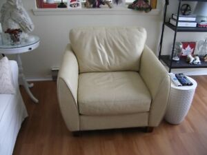 REAL LEATHER CLUB CHAIR (NEW REDUCED PRICE)