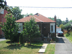 Williamsville 2 bedroom house with garage