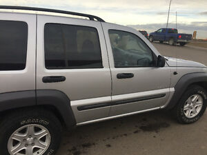 2004 Jeep Liberty 4x4 SUV, Crossover