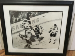*AMAZING* Bobby Orr Signed Picture!