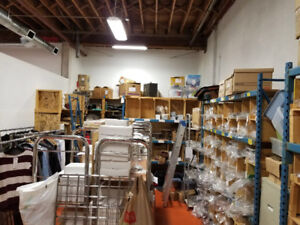 Warehouse/office for lease Great locatio