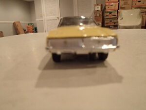 Road Champs 1969 Dodge Charger 1/43 Scale Diecast Car. YELLOW Sarnia Sarnia Area image 2