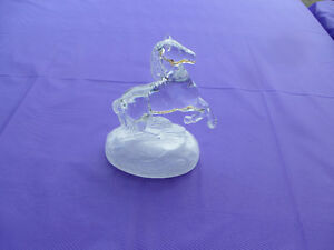 CRYSTAL D'ARQUES CHEVAL - CRYSTAL REARING HORSE ON FROSTED BASE Kingston Kingston Area image 1
