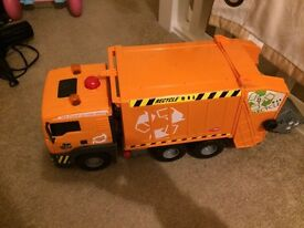 Boys & girls toys! Big bin lorry & baby annabell car seat
