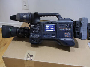 PANASONIC AG-HPX370 1/3″P2 HD professional Camcorder price reduc